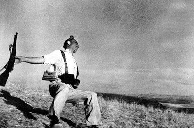 The falling soldier - Robert Capa